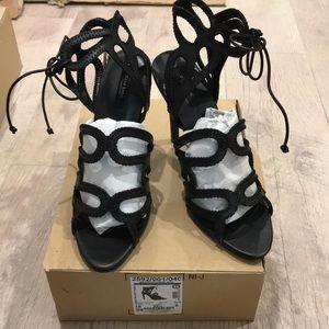 Zara heels in black size 8 or 39euro, new